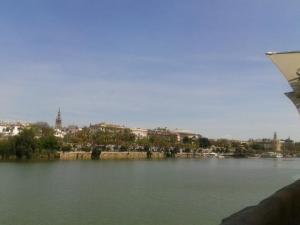 Sevilla, desde la Calle Betis