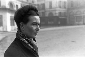 Simone de Beauvoir. Fotografía de Culturacolectiva.com http://culturacolectiva.com/entrevista-a-simone-de-beauvoir-25-anos-despues-de-el-segundo-sexo/